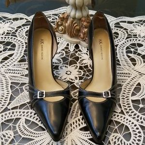 AK Anne Klein Black leather pumps size 9